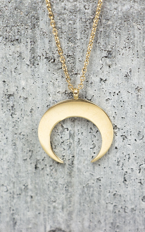 Horn necklace-gold