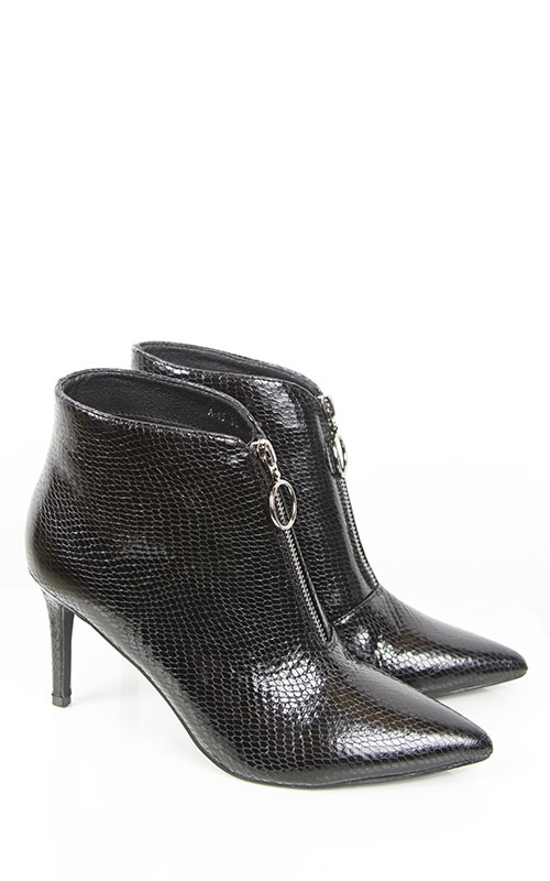 Mille boots-snake
