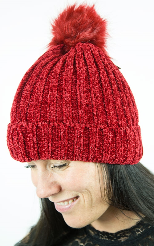Smilla hat-red